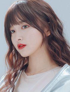 Asian girl with bangs/fringe Korean Haircut Long, Korean Bangs Hairstyle, Korean Long Hair, Asian Haircut, Asian Bangs, Japanese Hairstyle, Long Hair With Bangs, Haircuts With Bangs, Girl Haircuts