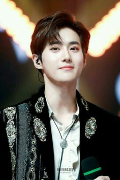 """Kim better known by his stage nameSuho(meaning """"guardian"""" in Korean), is a South Korean singer and actor. He is a member and leader of the South Korean-Chinese boy group Exo and its sub-unit Exo-K. Kaisoo, Chanyeol Baekhyun, Park Chanyeol, Foto Sehun Exo, Chanbaek, Kpop Exo, Tao, K Pop, Super Junior T"""