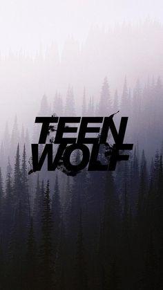 13. Ik kijk veel series mijn top vijf is: Teenwolf, Stranger things, Riverdale, Blacklist, The flash. De verschillen zijn dat een serie veel langer duurt en je het in delen kan kijken.