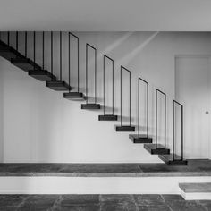 Staircase Interior Design, Staircase Railing Design, Staircase Handrail, Home Stairs Design, Exterior Wall Cladding, Painted Staircases, Grill Door Design, Building Stairs, Modern Stairs