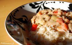 Pikkuunen: Kebabkastike Mashed Potatoes, Ethnic Recipes, Food, Red Peppers, Whipped Potatoes, Smash Potatoes, Eten, Meals, Shredded Potatoes