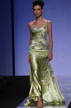 Tony Ward - Couture... just gorgeous! ! I'm about her height, weight, hair color and skin tone... but we definitely wear a different wallet size. Boo. Just dreamin'