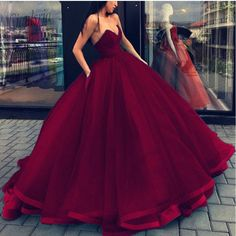 Prom Dress For Teens, Ball Gown Sleeveless Sweetheart Organza Floor-Length Dresses cheap prom dresses, beautiful dresses for prom. Best prom gowns online to make you the spotlight for special occasions. Strapless Prom Dresses, V Neck Prom Dresses, Ball Gowns Prom, Ball Gown Dresses, Cheap Prom Dresses, Formal Dresses, Bridesmaid Dresses, Red Ball Gowns, Homecoming Dresses