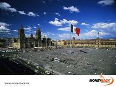 MONEYBACK MÉXICO. El Zócalo es el lugar ideal para empezar tu visita en la Ciudad de México. El centro principal de la capital azteca Tenochtitlán, ahora es el corazón de la capital de México. A unos cuantos metros descubrirás ruinas prehispánicas y majestuosos edificios coloniales; la catedral y el palacio nacional. #moneyback www.moneyback.mx