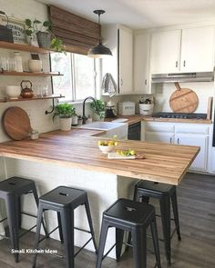 If you are looking for Rustic Farmhouse Kitchen Design Ideas, You come to the right place. Below are the Rustic Farmhouse Kitchen Design Ideas. Modern Farmhouse Kitchens, Farmhouse Kitchen Decor, Home Decor Kitchen, New Kitchen, Home Kitchens, Rustic Farmhouse, Kitchen Small, Farmhouse Style, Kitchen Wood