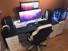 Credit to @b8.willy via @onnoknows. What do you guys think? ------------------------------------------- Don't forget to follow for daily setup posts! ------------------------------------------- For more amazing posts go follow my good friends listed below! @pc.crazy @computers_ftw @pcmilitia @techisland ------------------------------------------- #idealsetups #setup #dreamsetup #workstation #battlestation #workspace #pcgaming #deskspace #desksetup #gaming #game #gamer #gamingsetup #pc…