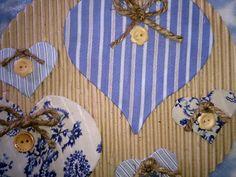 Con forma de corazón: Corazón de botones para adornar y decorar