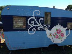 Tea Time -- I think I will decal Lola Vintage Trailer Decor, Vintage Rv, Vintage Caravans, Vintage Vans, Vintage Campers, Shasta Trailer, Shasta Camper, Tiny Camper, Camper Tricks