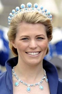 This week we feature a dainty and beautiful turquoise tiara, celebrating December's birthstone. Here the Saxe-Coburg & Gotha tiara is seen on Princess Kelly, one of the few Americans who has married into royalty. Royal Crown Jewels, Royal Crowns, Royal Tiaras, Royal Jewelry, Tiaras And Crowns, Color Cielo, Turquesa E Coral, Princess Victoria, Princess Elizabeth