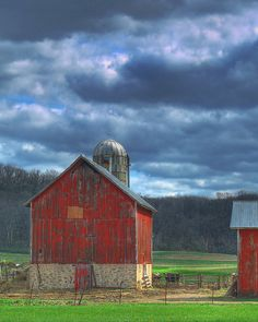 Old Barn photo Country Barns, Country Life, Country Living, Country Charm, Country Roads, American Barn, Barns Sheds, Farm Barn, Country Scenes