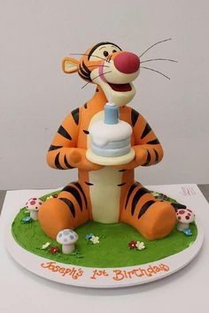 Cake Wrecks - Home - Sunday Sweets Goes Looking For Pooh - Tigger is my favorite - made by Handi's Cakes Fancy Cakes, Cute Cakes, Cumpleaños Lady Bug, Tiger Cake, Winnie The Pooh Cake, Fantasy Cake, Friends Cake, 1st Birthday Cakes, Cake Wrecks