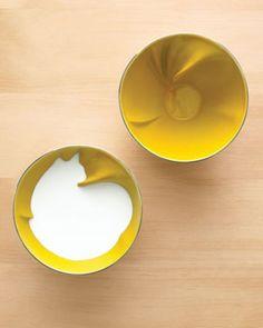 Geraldine De Beco design for Bernardaud Animal Breakfast Bowls with a twist that is only revealed once you add milk. So fun! Tassen Design, Gadgets, Cereal Bowls, Cereal Milk, Rice Bowls, Breakfast Bowls, Breakfast Cereal, Mellow Yellow, Yellow Cat