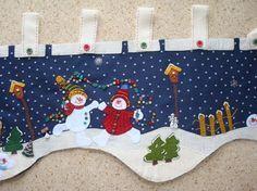 cenefas navideñas - Buscar con Google Christmas Sewing, Christmas Pillow, Felt Christmas, Christmas Home, Christmas Crafts, Xmas, Christmas Mantels, Christmas Wreaths, Christmas Decorations