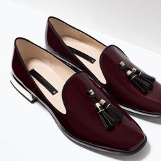 Glossy flat shoes | Zara
