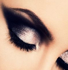 Black&White: Make up Makes Perfect