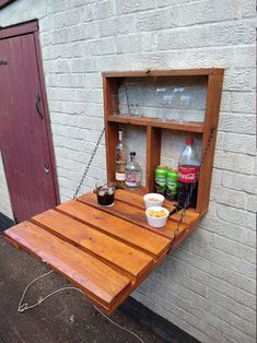 Diy Pallet Projects, Wood Projects, Outdoor Projects, Pallet Shelves Diy, Diy Pallet Bar, All You Need Is, Pallet House Plans, Murphy Bar, Small Pallet