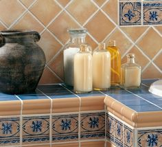Faience cuisine on pinterest credenzas faience salle de bain and faience for Faience cuisine beige