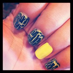 Crackle nail polish! Like the idea of leaving one nail solid