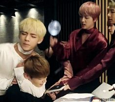Poor jungkook i dono what happening with him