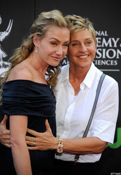 SheWired - 28 Gorgeous Pics of Ellen DeGeneres & Portia de Rossi Being Affectionate Through the Years Ellen Degeneres And Portia, Ellen And Portia, Pretty People, Beautiful People, Day Date President, Longest Marriage, Portia De Rossi, Famous Couples, Celebs