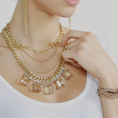 Love this layered necklace look