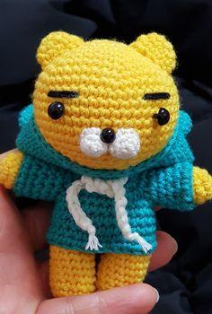 후드라이언 도안나눔 : 네이버 블로그 Knit Crochet, Crochet Hats, K Project, Key Covers, Knitted Dolls, Free Pattern, Diy And Crafts, Hello Kitty, Crochet Patterns
