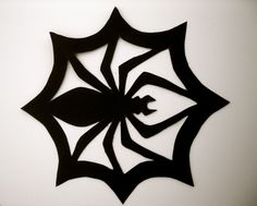 Large x Halloween Black Spider Hanging or wall/window decoration in Paper or felt waterproof material by justyrs on Etsy Halloween Stencils, Easy Halloween Crafts, Halloween Quilts, Halloween Home Decor, Halloween Spider, Halloween House, Halloween Art, Halloween Decorations, Couture Pour Halloween