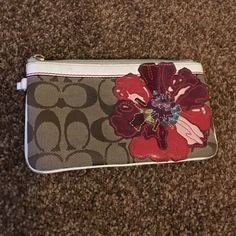 Coach Poppy Wristlet 4x4x7 used wristlet from coach NO TRADES Coach Bags Clutches & Wristlets