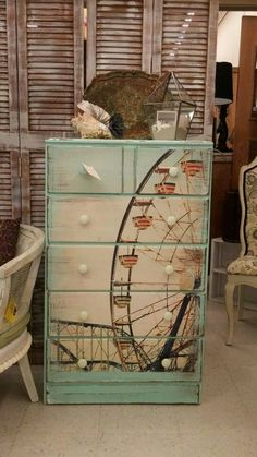 23 Furniture Ideas and Tips: Decoupage - Diy & Decor Selections - Diy Furniture Ideas Refurbished Furniture, Paint Furniture, Repurposed Furniture, Shabby Chic Furniture, Furniture Projects, Furniture Makeover, Furniture Stores, Bedroom Furniture, Cheap Furniture
