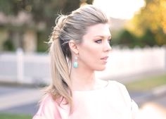Pretty ponytail twist with tutorial video