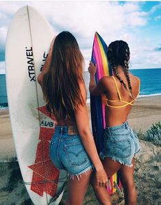 Surfs up with my bestie! Surfer Outfit, Best Friend Pictures, Friend Photos, Beachy Pictures, Beach Pics, Surfergirl Style, Summer Goals, Best Friend Goals, Photo Instagram