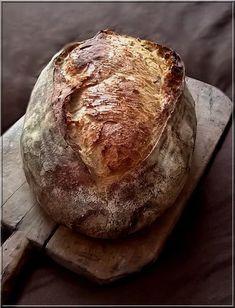Kovászos kenyér kezdőknek | egy.hu Healthy Homemade Bread, Homemade Breads, Baked Potato, Camembert Cheese, Bakery, Muffin, Food And Drink, Ethnic Recipes, Foods