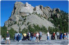 Parque Nacional das Badlands, Dakota do Sul | Monte Rushmore e seu memorial com as figuras esculpidas de George ...