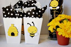 Mother to Bee -- A cute idea for a gender neutral baby shower -- Bee & Hive Favor Bags from http://pinwheellane.etsy.com