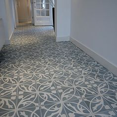 Tegels hal Castelo portugese cement tegels  - uw-vloer.nl #tegelvloer #interieur