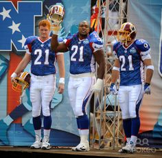 Ethan Albright , Chris Samuels and Chris Cooley wearing Sean Taylor's number 21. Taylor was killed during the season but was still voted to the 2008 pro bowl.