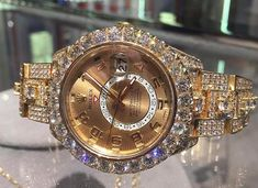 Guess how much carat in that Rolex Sky Dweller iced out? Fancy Watches, Trendy Watches, Expensive Watches, Most Expensive, Diamond Watches, Rolex Watches, Sky Dweller, Gold Money, Well Dressed Men
