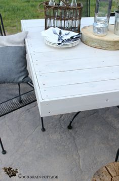 DIY Outdoor Patio Table by The Wood Grain Cottage