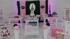 Decoração Paris  Aluguel bolo  Doces personalizados, consulte!!!