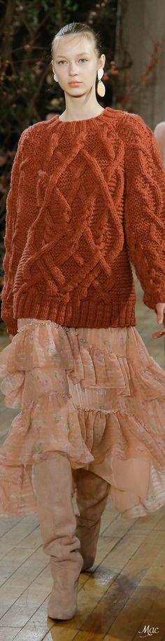 Fall 2017 RTW Ulla Johnson - Runway photo of Autumn sweater and pink ruffle skirt Ulla Johnson, Stunning Dresses, Cable Knit Sweaters, Knitting Designs, Fashion 2018, Couture Fashion, Chic Outfits, Knitwear, Winter Fashion