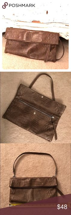 Gianni Chiarini✨Leather Clutch EUC. Italy. Brown embossed croc genuine leather clutch with detachable shoulder strap. Folds over with a snap closure. Zipper compartment on outside under flap. Two pockets on the inside. Clean inside all compartments. Gianni Chiarini Bags Clutches & Wristlets