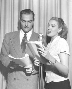 John Russell and Linda Darnell on radio Golden Age Of Hollywood, Vintage Hollywood, Classic Hollywood, John Russell Actor, Old Time Radio, Classic Actresses, White People, American Actress, Movie Stars