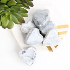 How to make super simple faceted marble heart shaped soaps. An easy DIY using melt and pour soap base.