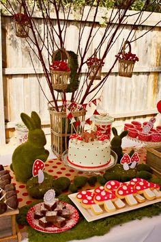 Red Riding Hood Inspired Woodland Birthday Party - Birthday party DIY Ideas on desserts tables, food, drinks, printables and party favors! Fairy Birthday Party, 1st Birthday Parties, Birthday Ideas, 1st Birthdays, Woodland Theme, Woodland Party, Woodland Forest, Red Riding Hood Party, Enchanted Forest Party