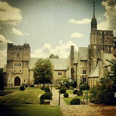 I would love to take wedding photos at Berry College