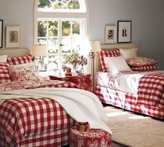 34 Perfect Decorating Christmas Bedroom Red And White - firstmine Red Bedroom Design, White Bedroom, Interior Design, Modern Interior, Plaid Bedroom, Comfy Bedroom, Extra Bedroom, Bedroom Modern, Double Bedroom