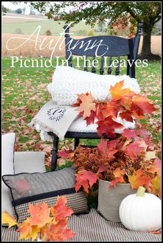 Autumn Picnic In The Leaves. When fall is in all it's saturated splendor it's the time to gather up some scrumptious and easy food and go on a fall picnic Picnic Decorations, Fall Picnic, Autumn Inspiration, Autumn Ideas, Holiday Ideas, Dinner Themes, Fall Candles, Fall Flowers, Fall Wreaths