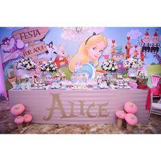 Festa: Alice no País das Maravilhas com Decor by @juliguedesdonaju #DentroDaFesta. . . ...