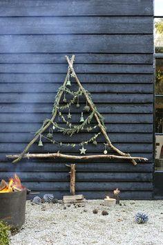 Een (echte) kerstboom - Benieuwd naar het verhaal achter of bij deze foto? Lees het artikel op www.thuiselijk.blogspot.nl