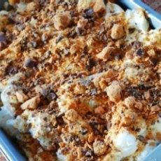 Weight Watchers Desert - 4 Points - Butterfinger with Sugarfree vanilla pudding mix and skim milk and angel food cake - Butterfinger crumbled